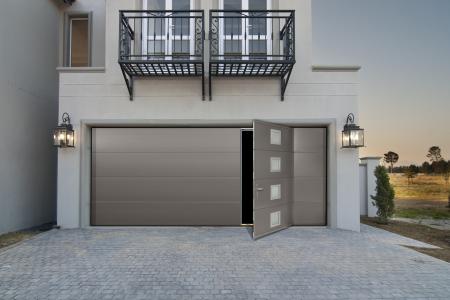 Pose de portes de garage sur mesure alu pvc acier bois for Porte de garage sectionnelle 300 x 215